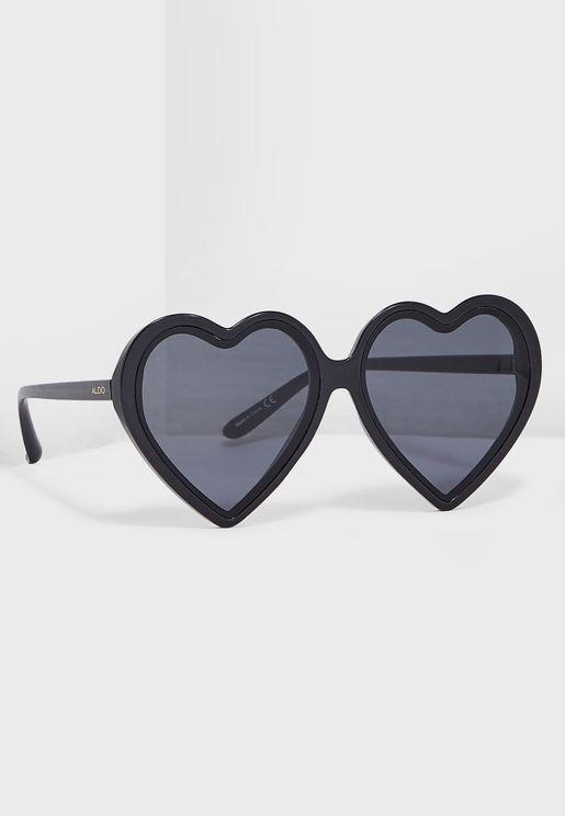 نظارة شمسية بشكل قلب