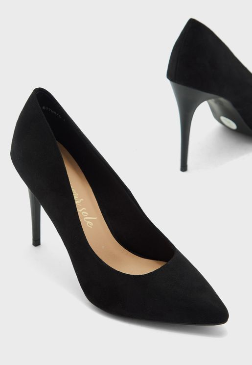 Yinny Pointed Toe Pump