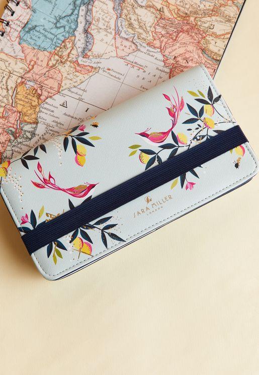 محفظة سفر مطبعة