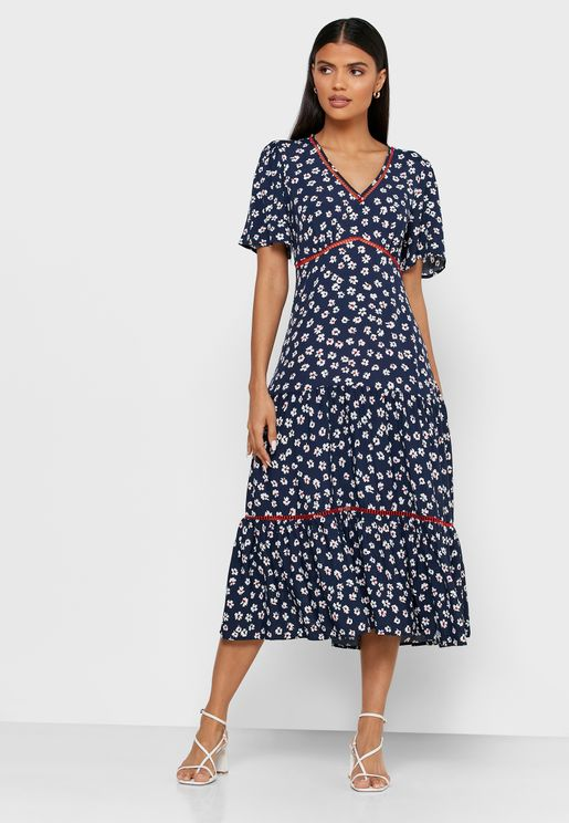 فستان مطبع مزين بدانتيل