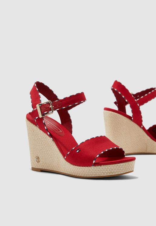 Corporate Detail High Wedge