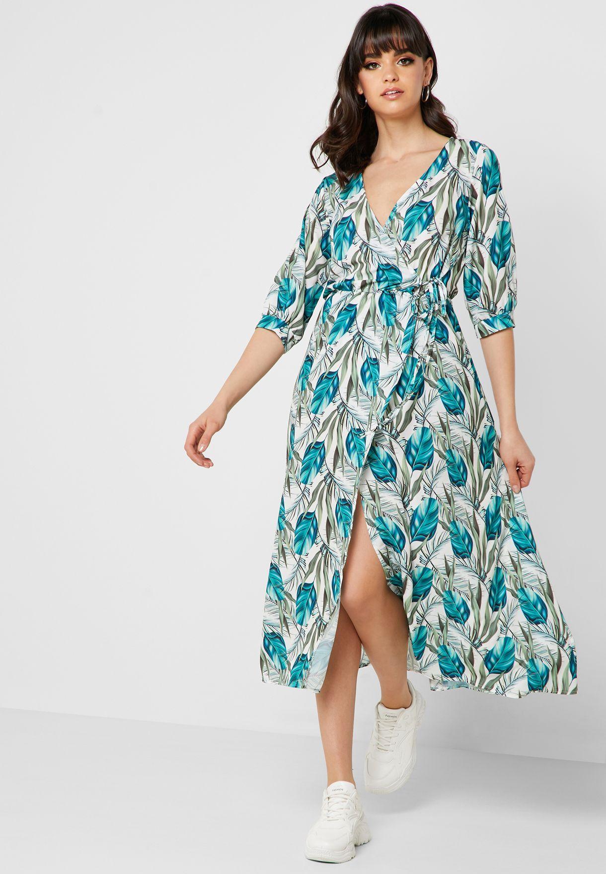 فستان مكسي بنمط لف وطبعات