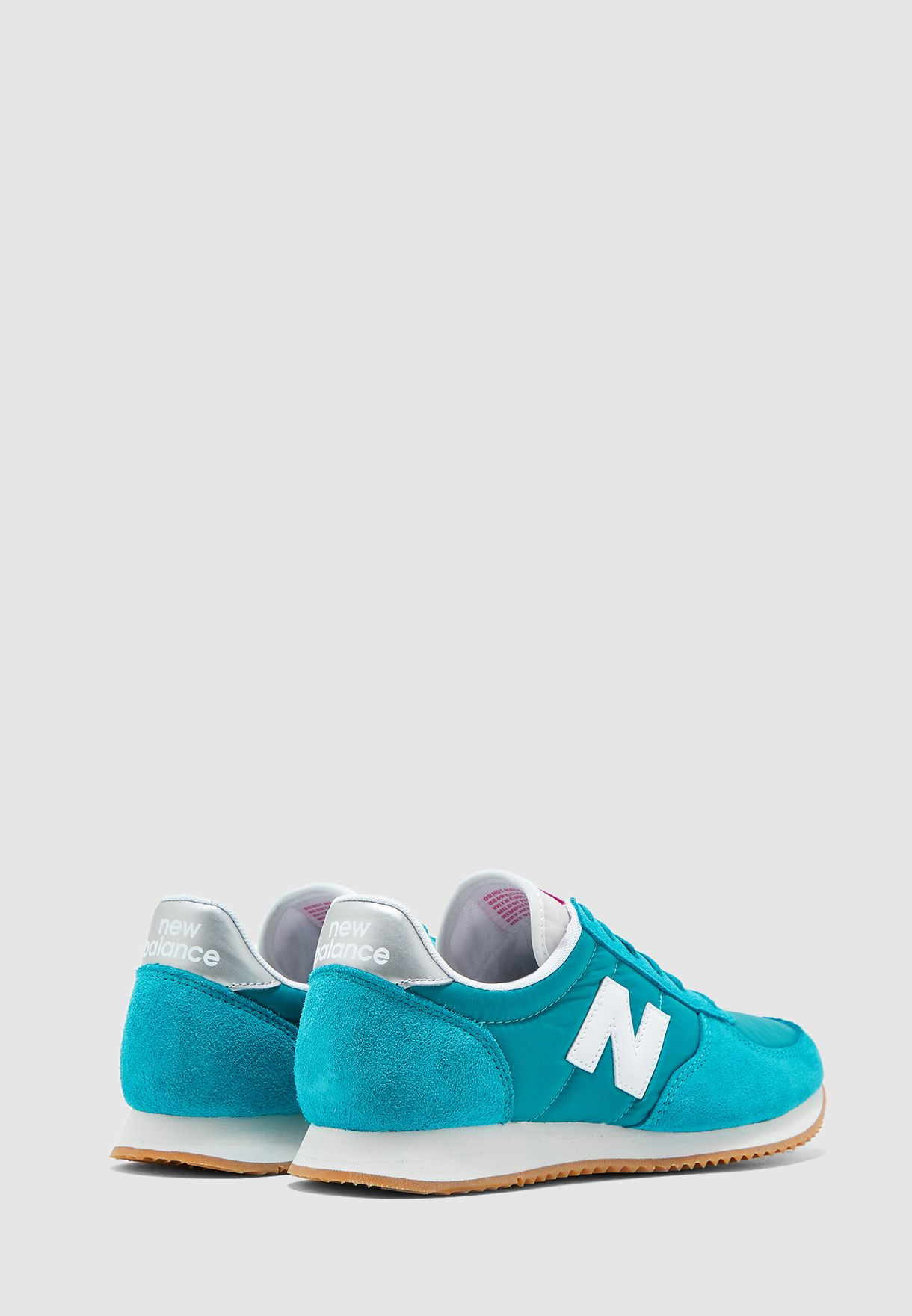 حذاء رياضة 220