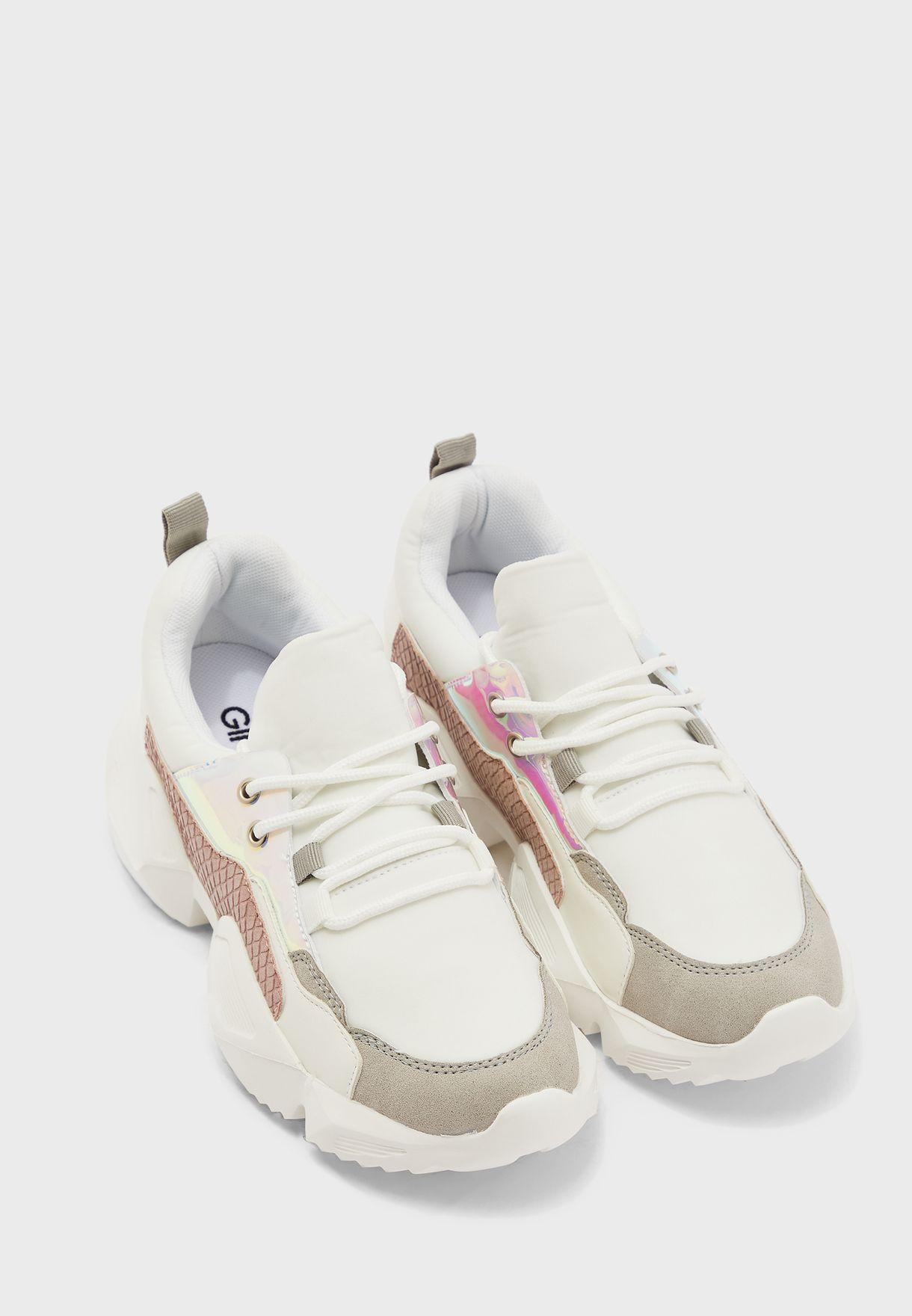 حذاء سنيكرز سميك