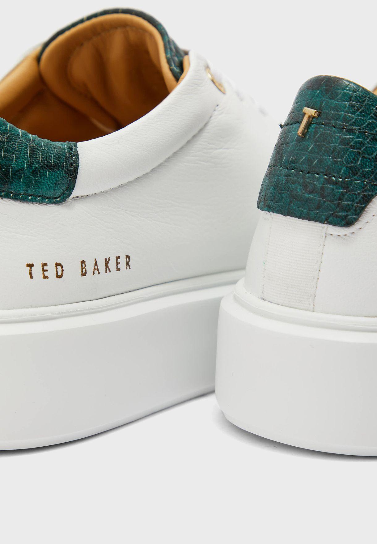 حذاء بيكسي