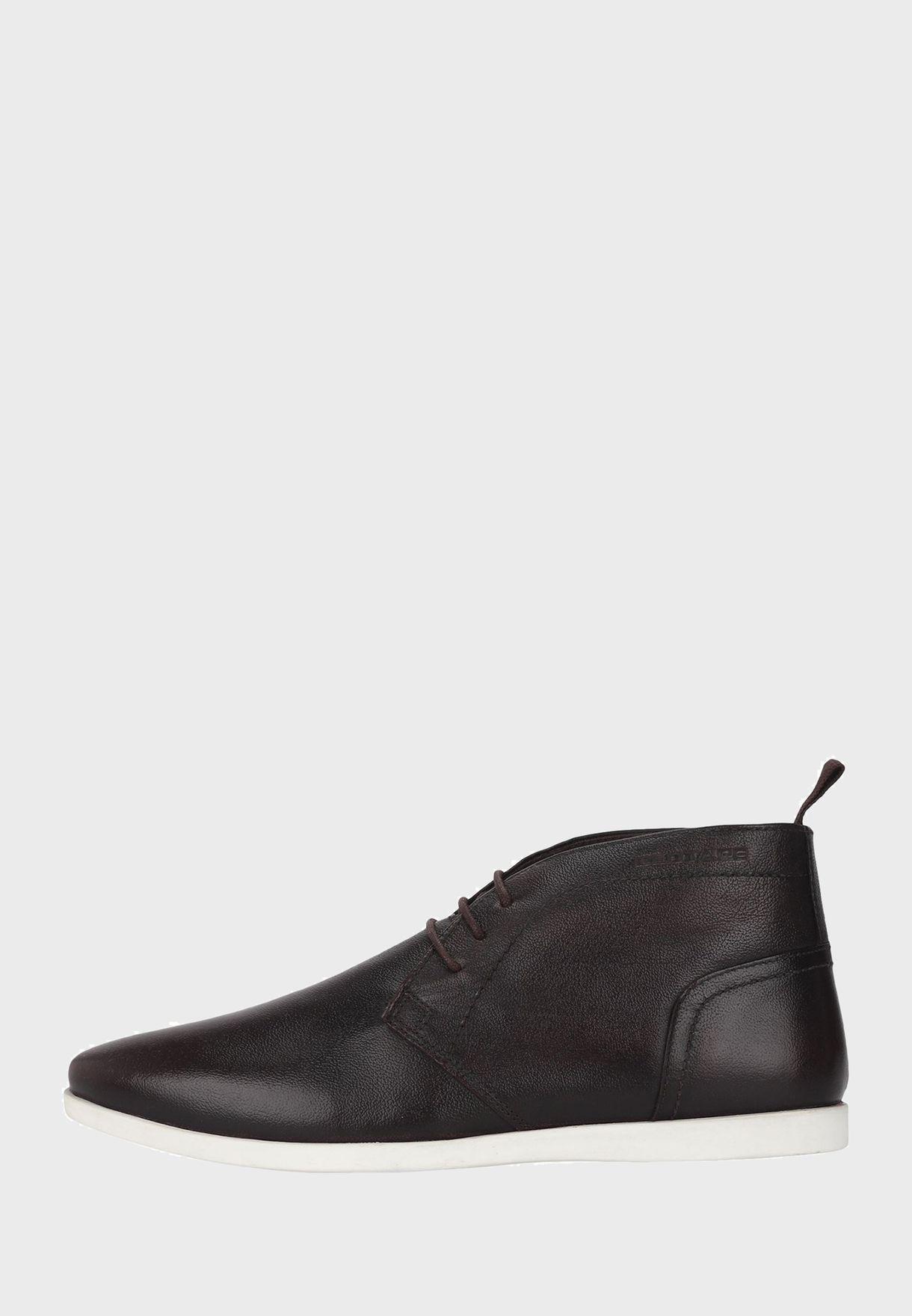 حذاءكاجوال باربطة