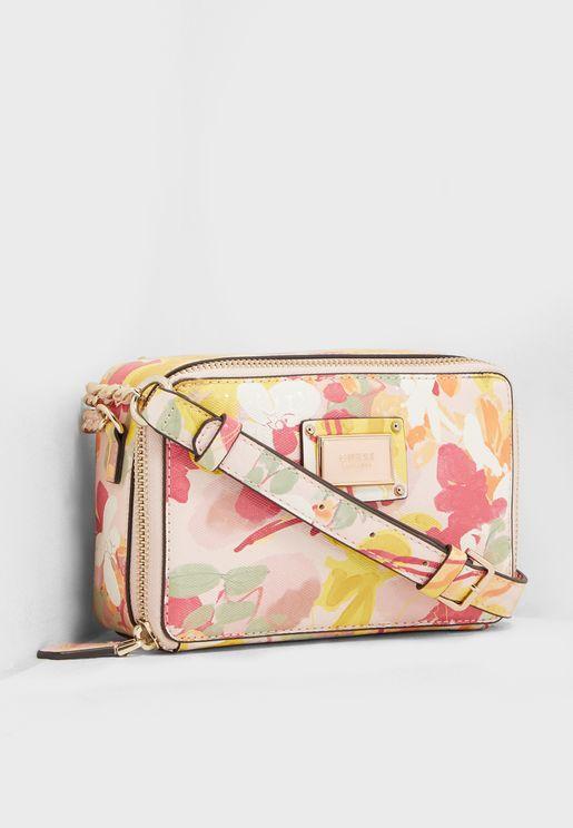 Women new Bags from Namshi in UAE 82e04175e9cba