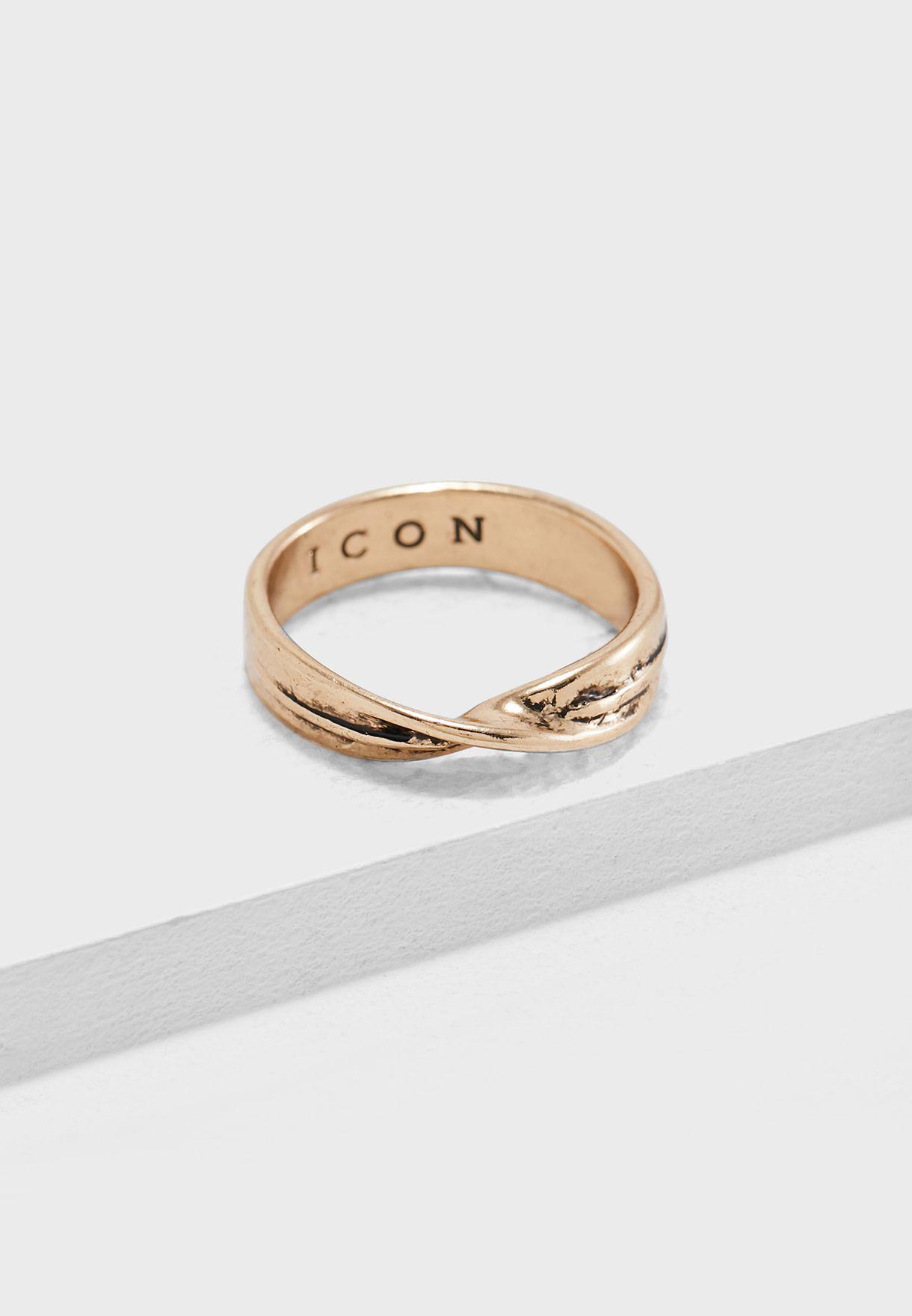 Twist Detail Band Ring
