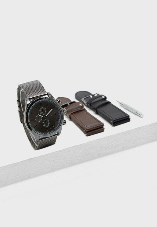 مجموعة من ساعة مع احزمة قابلة للتبديل