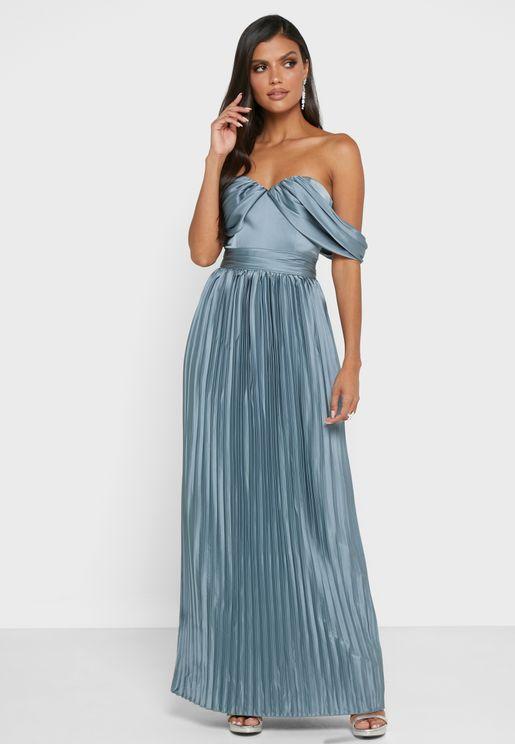 فستان بليسيه بياقة رسن