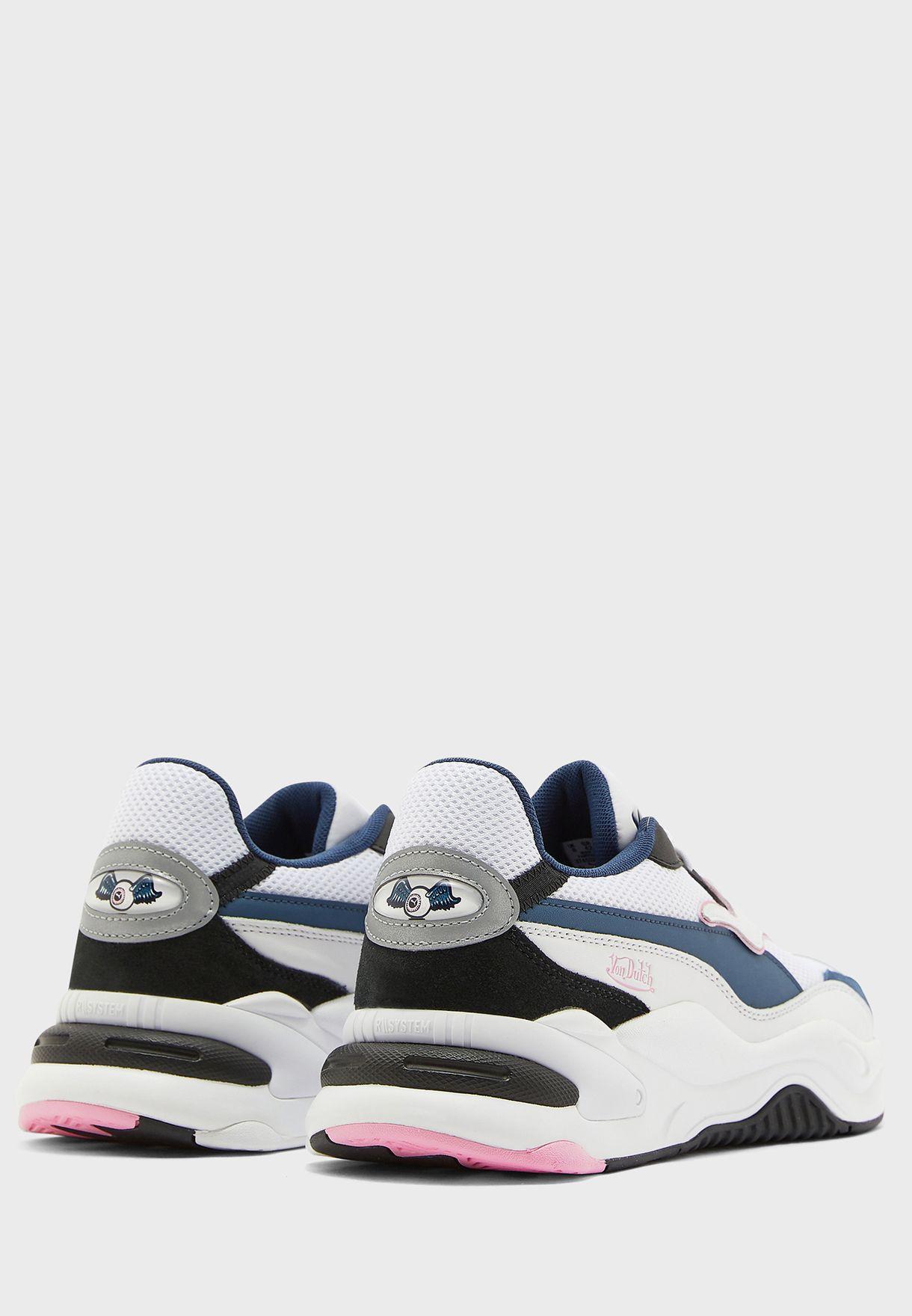 حذاء ار اس-2 كيه فون داتش