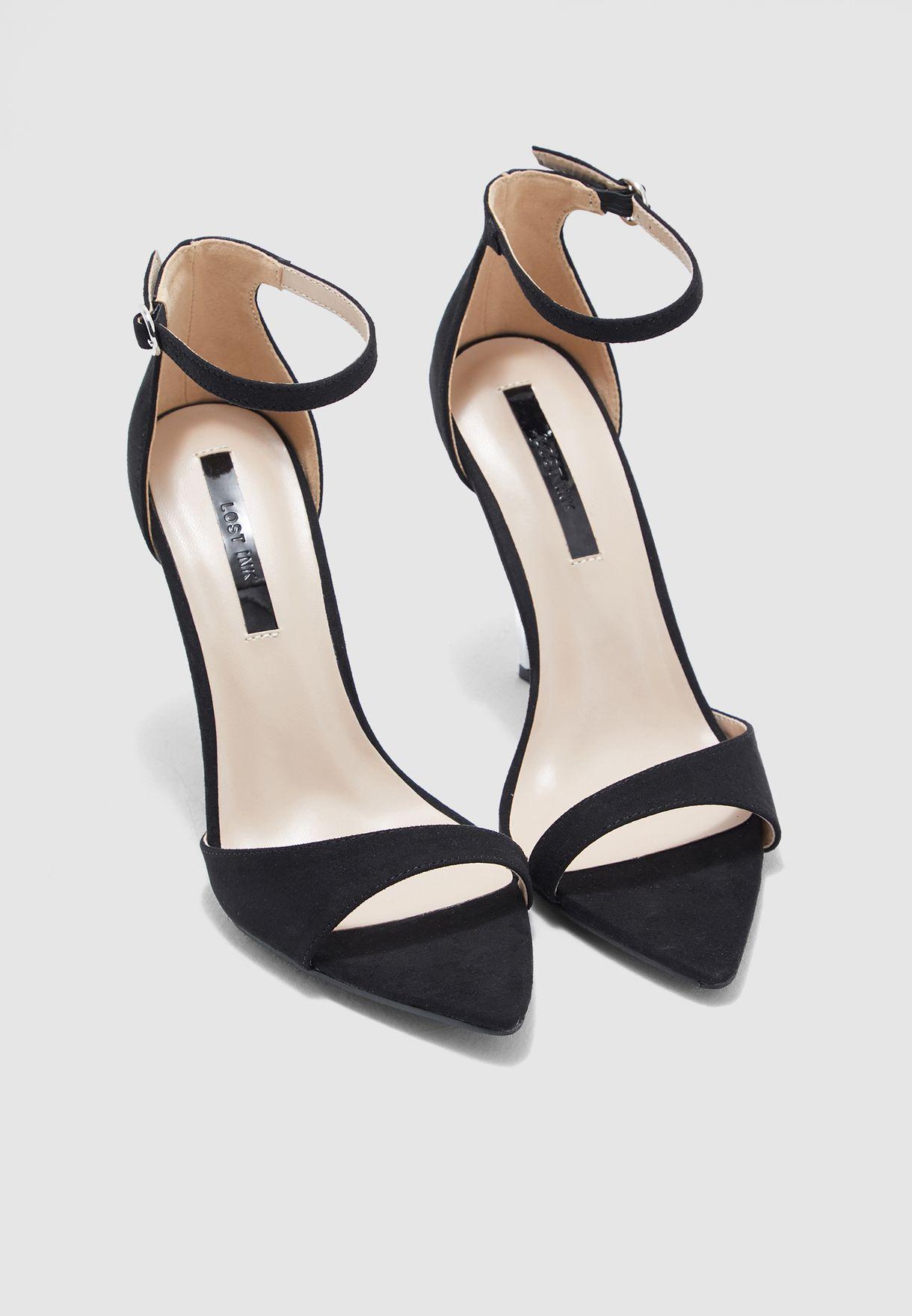Rogue Mid-Heel Sandal