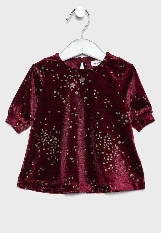 فستان بطباعة نجوم