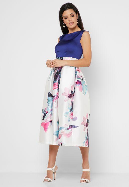 فستان بلا اكمام