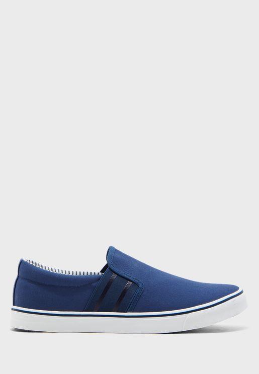 حذاء كانفاس