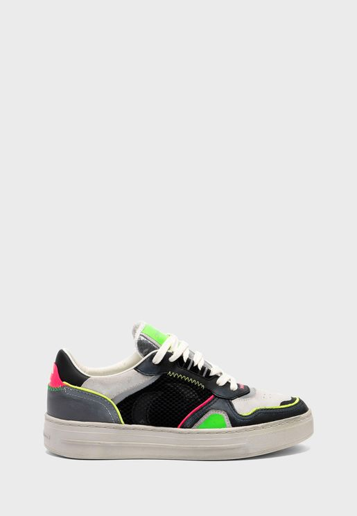 Off Court Low Top Sneaker