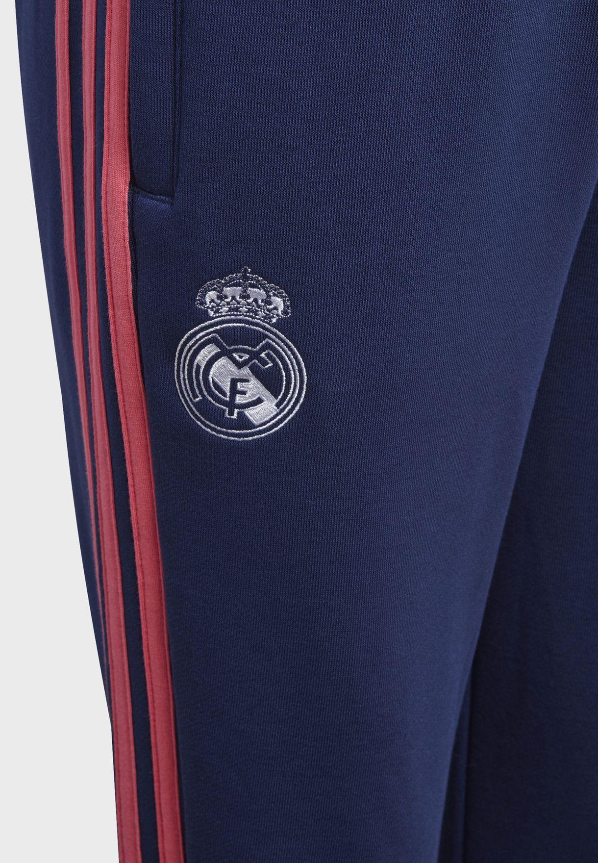 بنطال رياضي مزين بشعار ريال مدريد