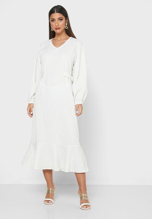 فستان باكمام واسعة