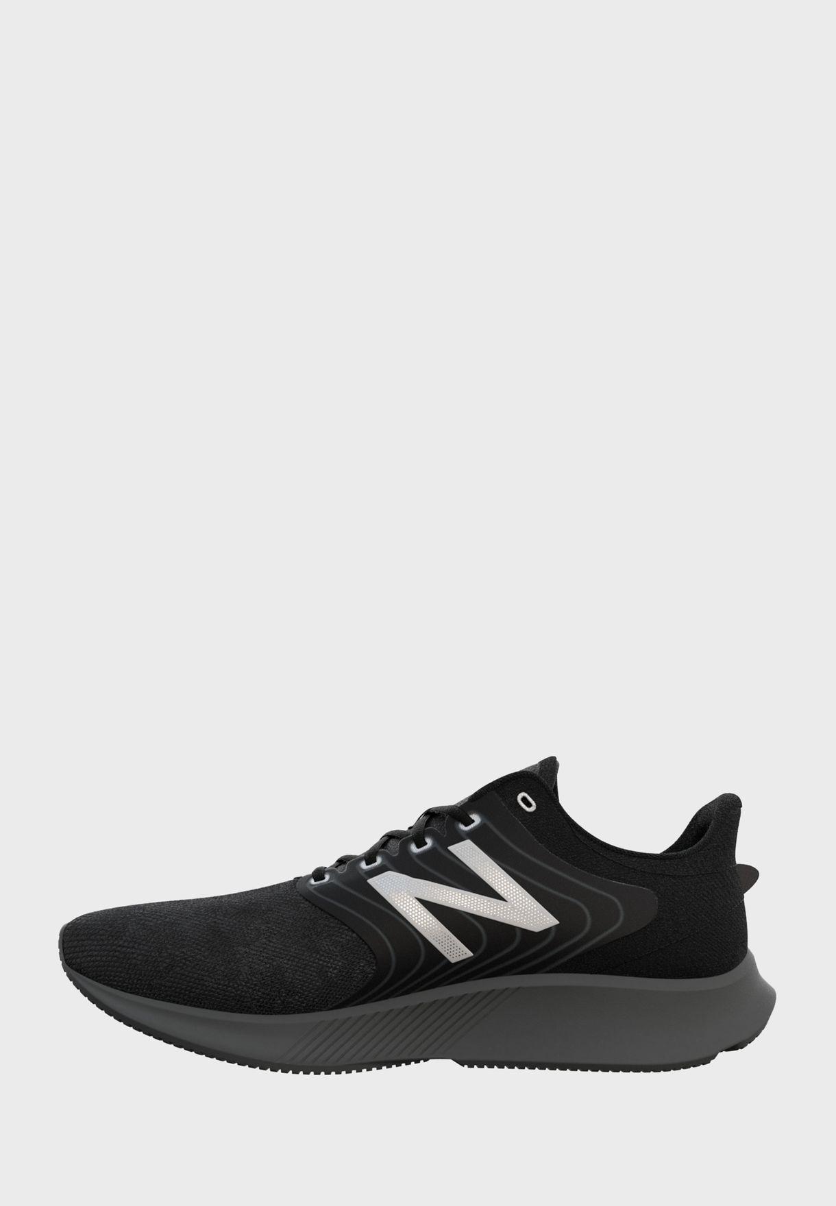 حذاء `068