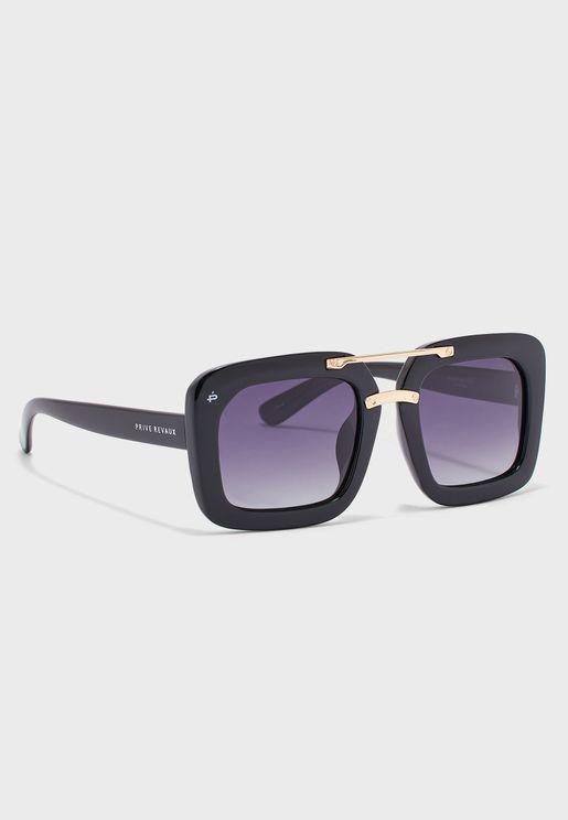 نظارة شمسية بعدسات مربعة