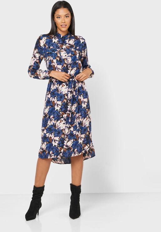 فستان بأزرار وطبعات ازهار