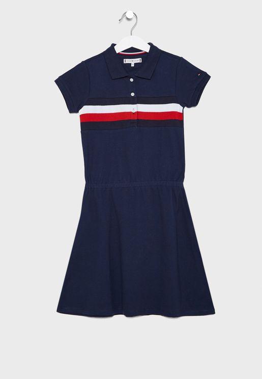 فستان مخطط بياقة كلاسيكية