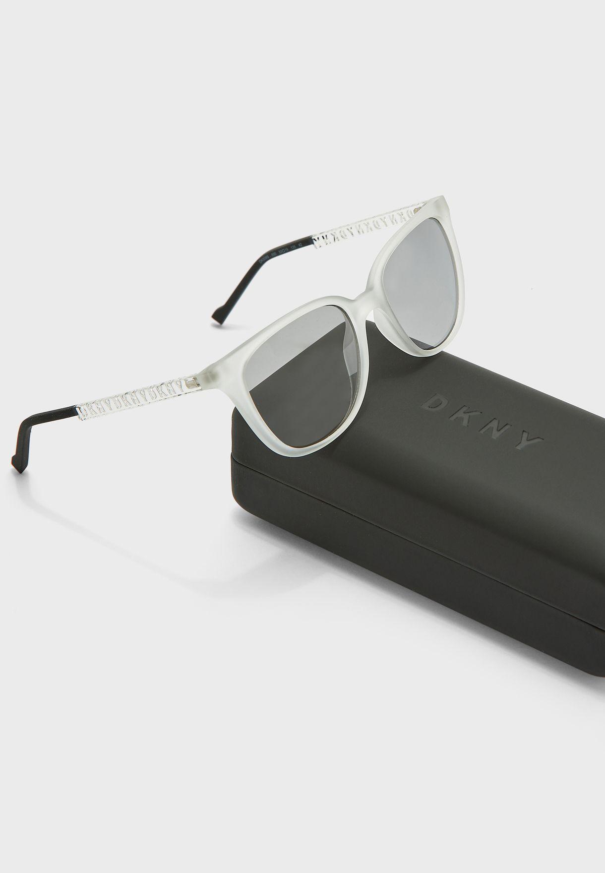 نظارة شمسية بيضوية الشكل