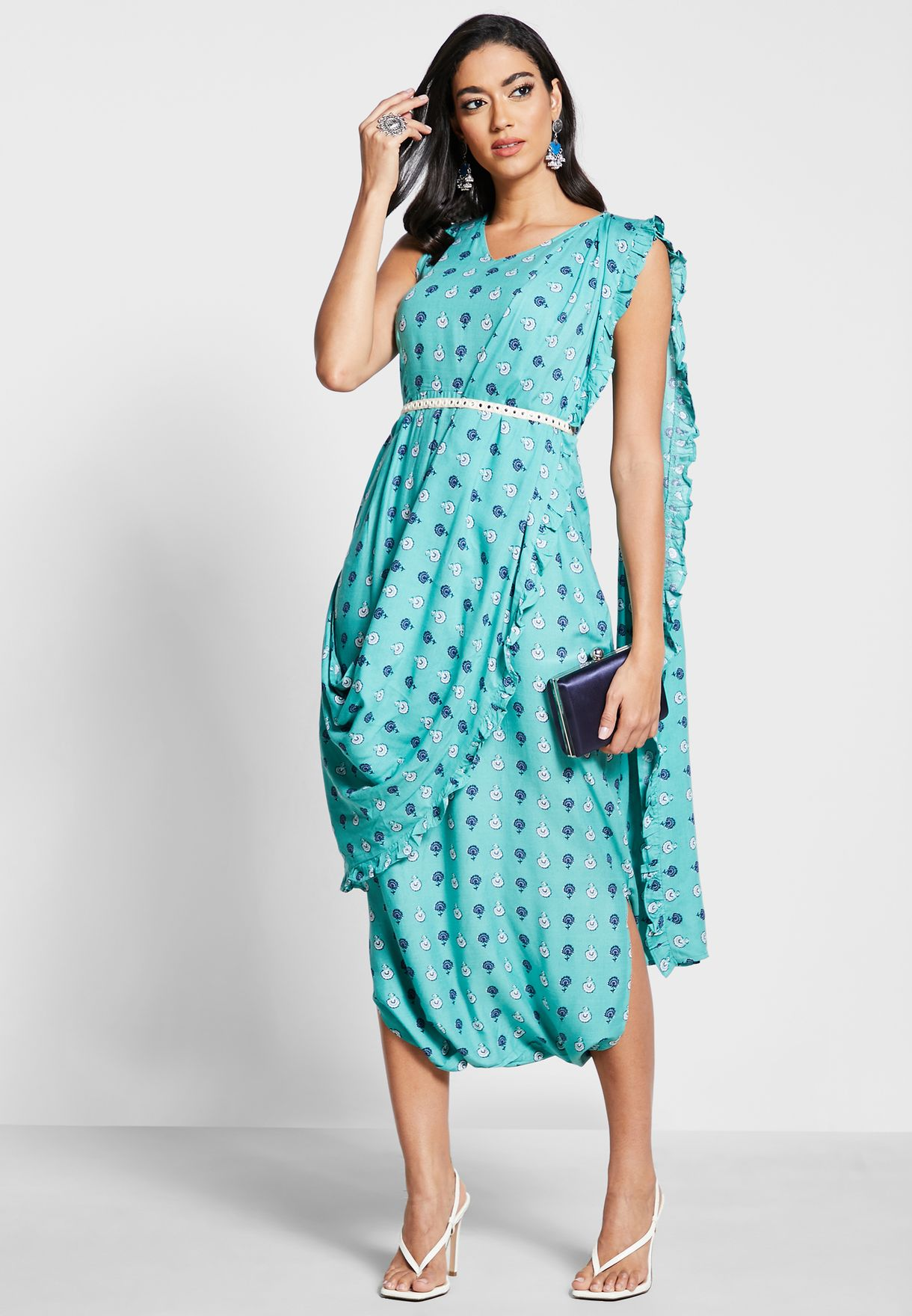 افرول بنمط فستان مع دوباتا