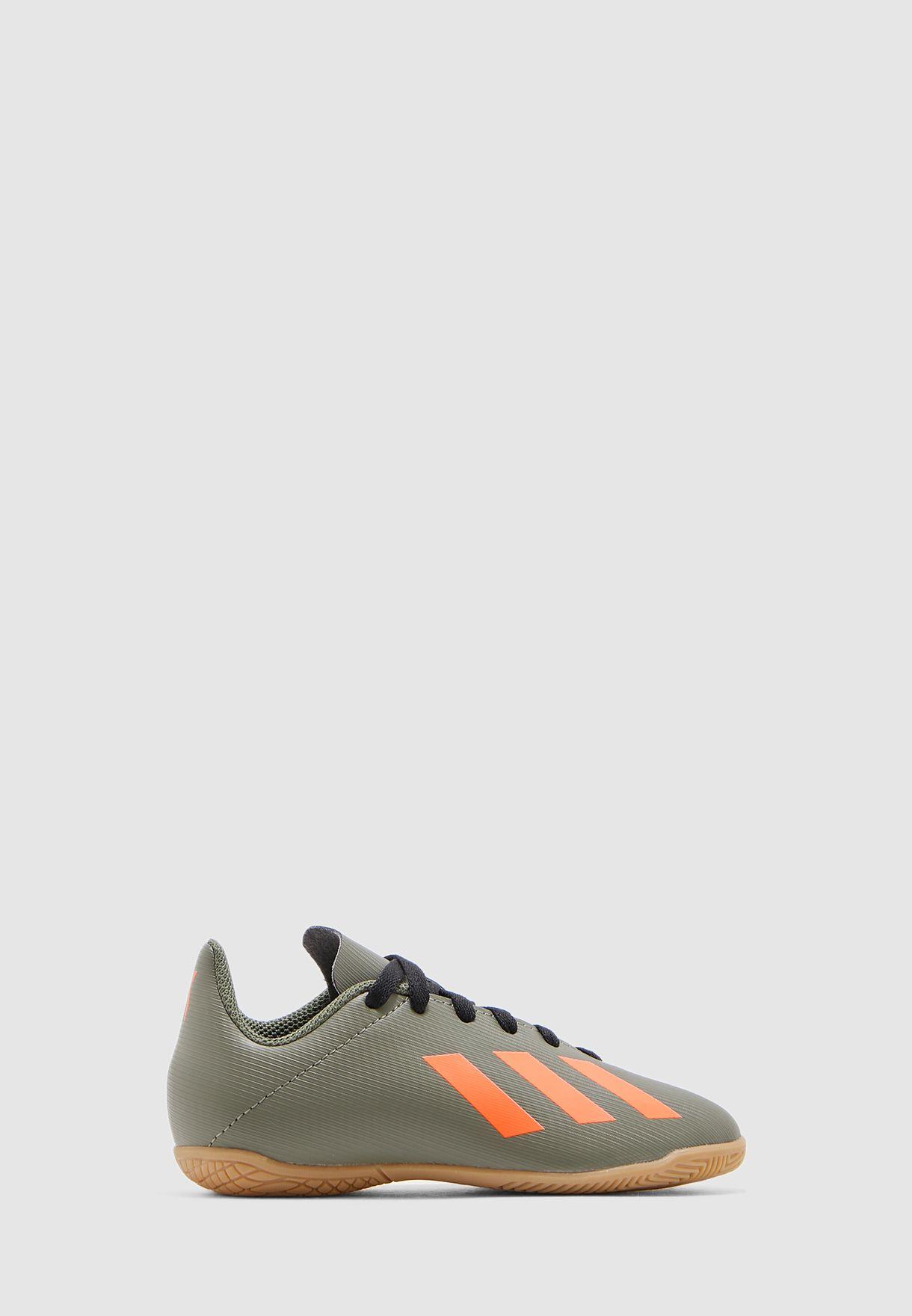 حذاء اكس ان
