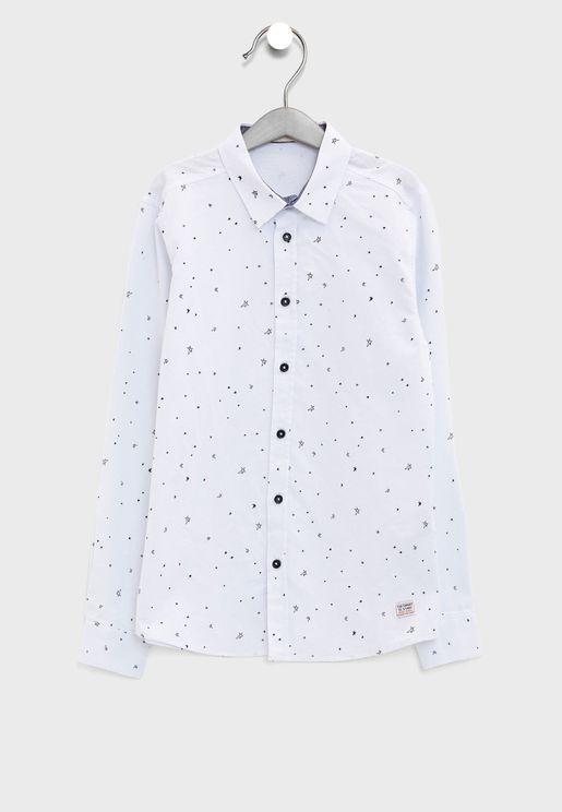 قميص بطبعات نجوم