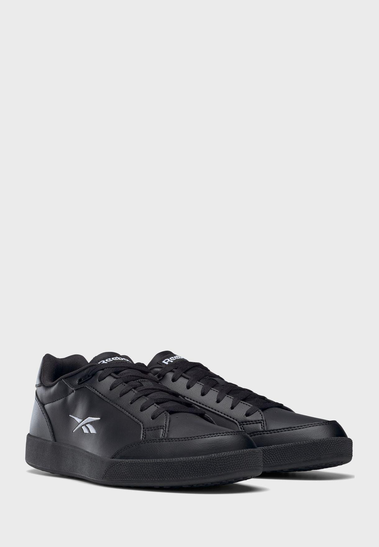 حذاء فيكتور سماش