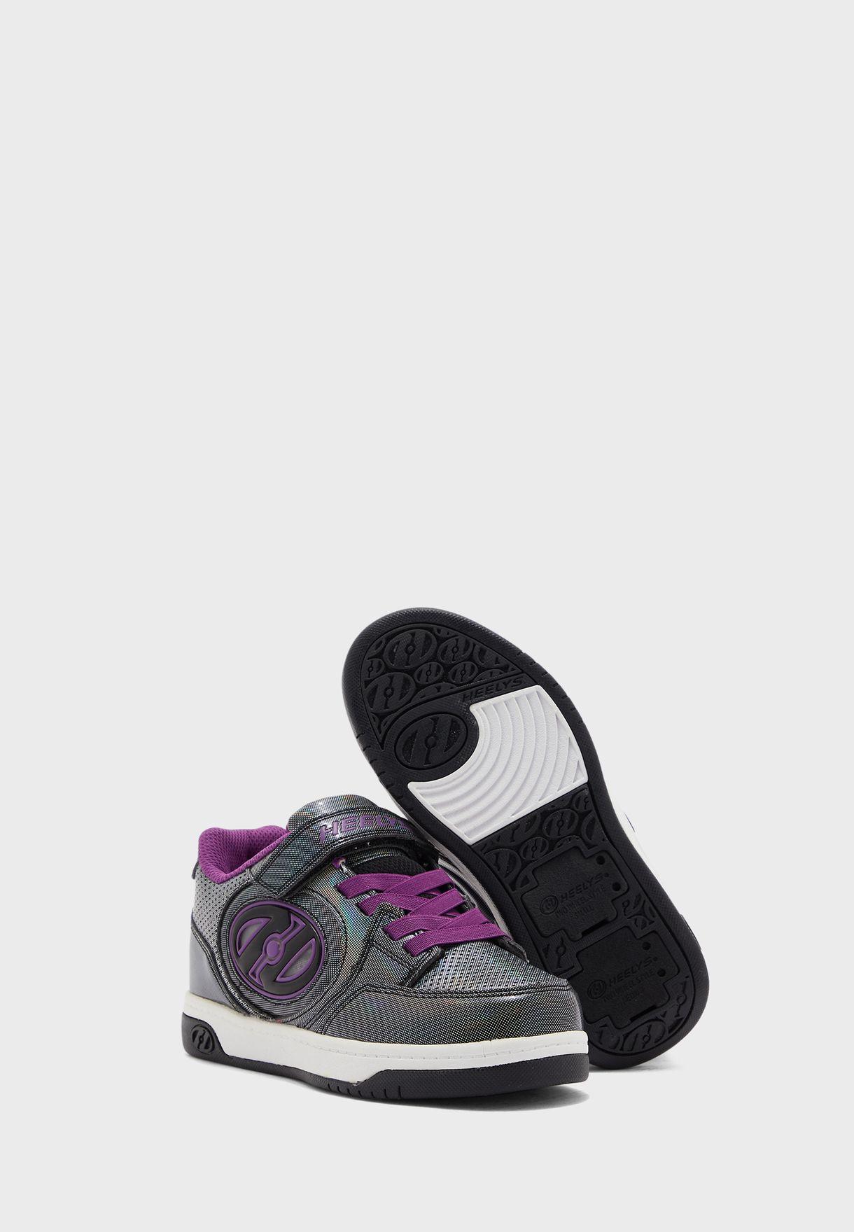 حذاء سنيكرز بشريط فيلكرو