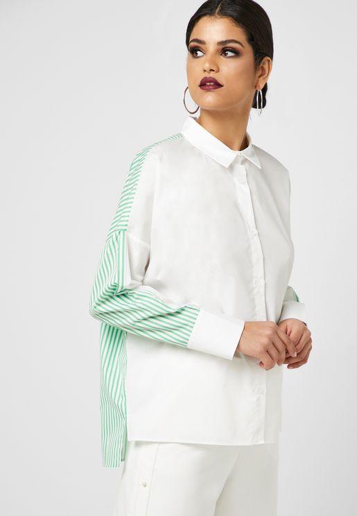 قميص طويل بطبعات خطوط