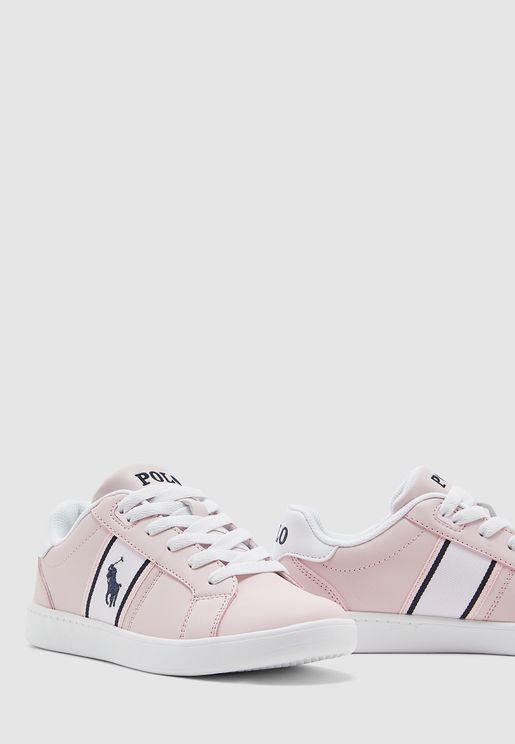 حذاء سنيكرز بدرزات