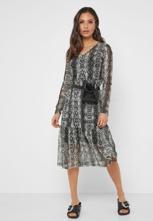 فستان بطبعات جلد ثعبان