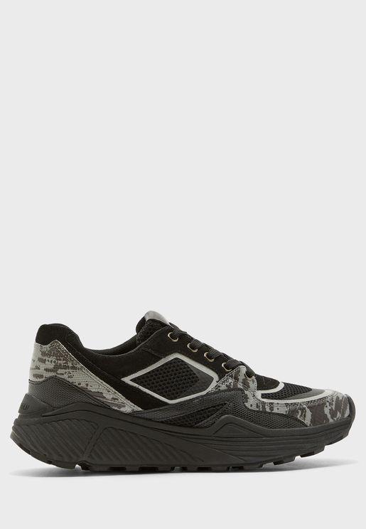 Sarden Low Top Sneaker