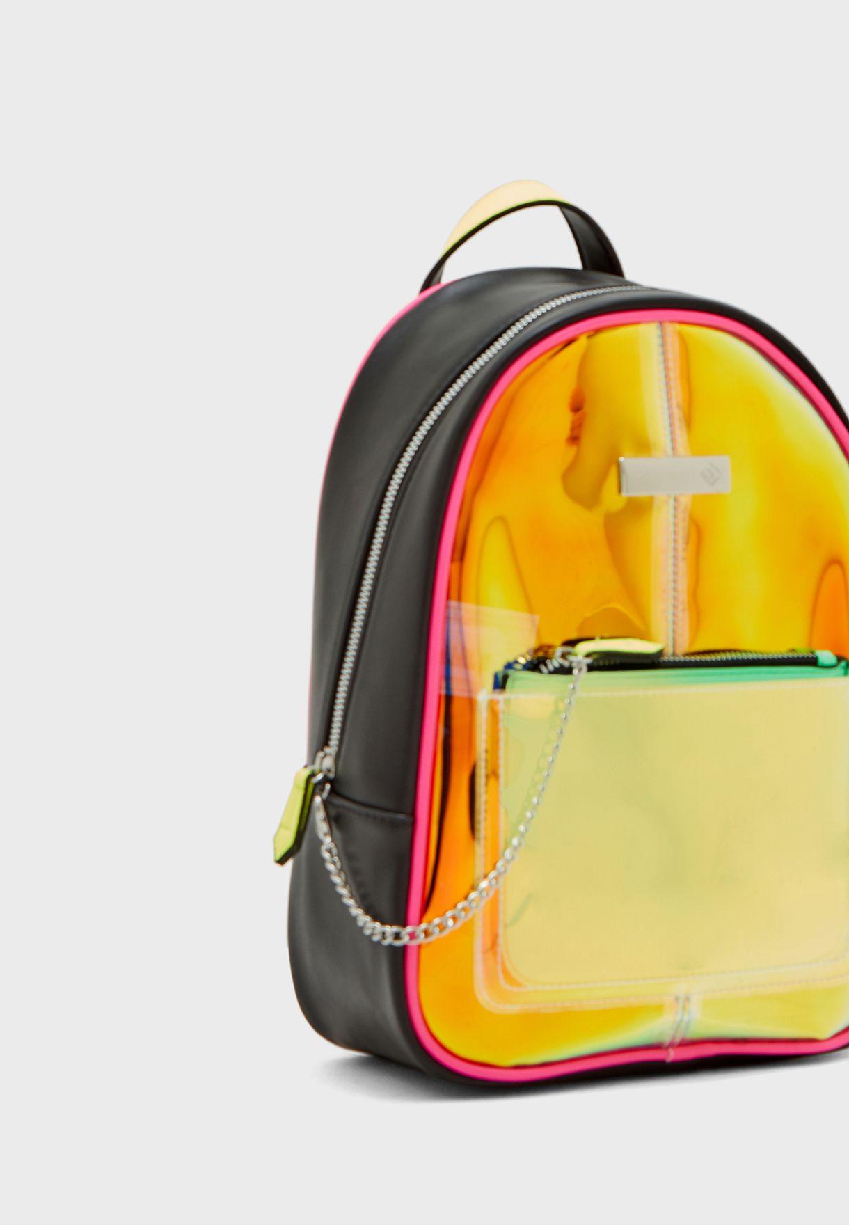 حقيبة ظهر شفافة