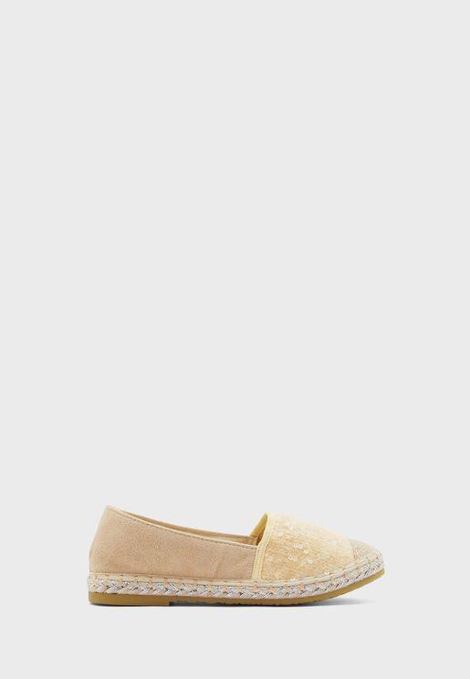 حذاء سهل الارتداء مزين بترتر