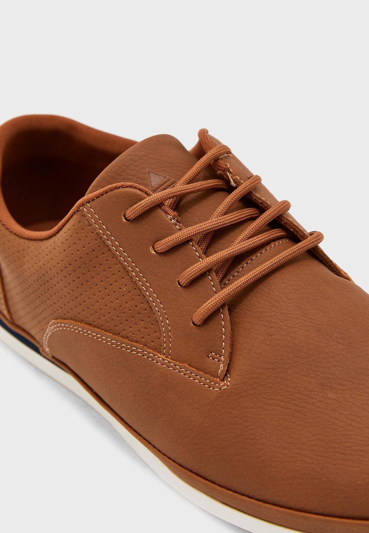 Johnikins Sneakers
