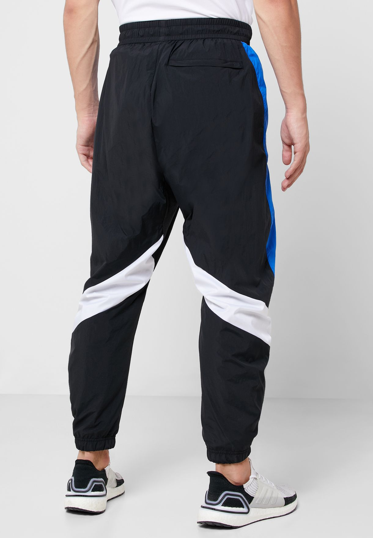 M O Shape Sweatpants