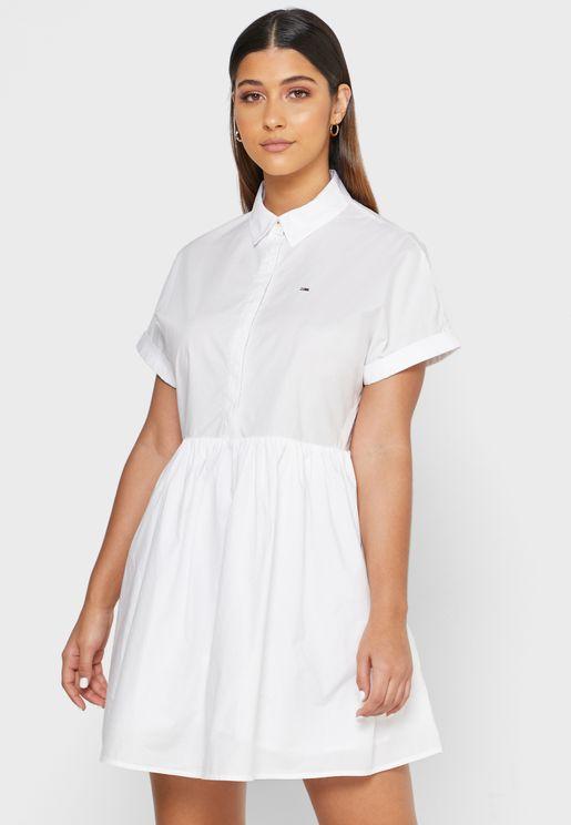 فستان بيبلوم بياقة كلاسيكية