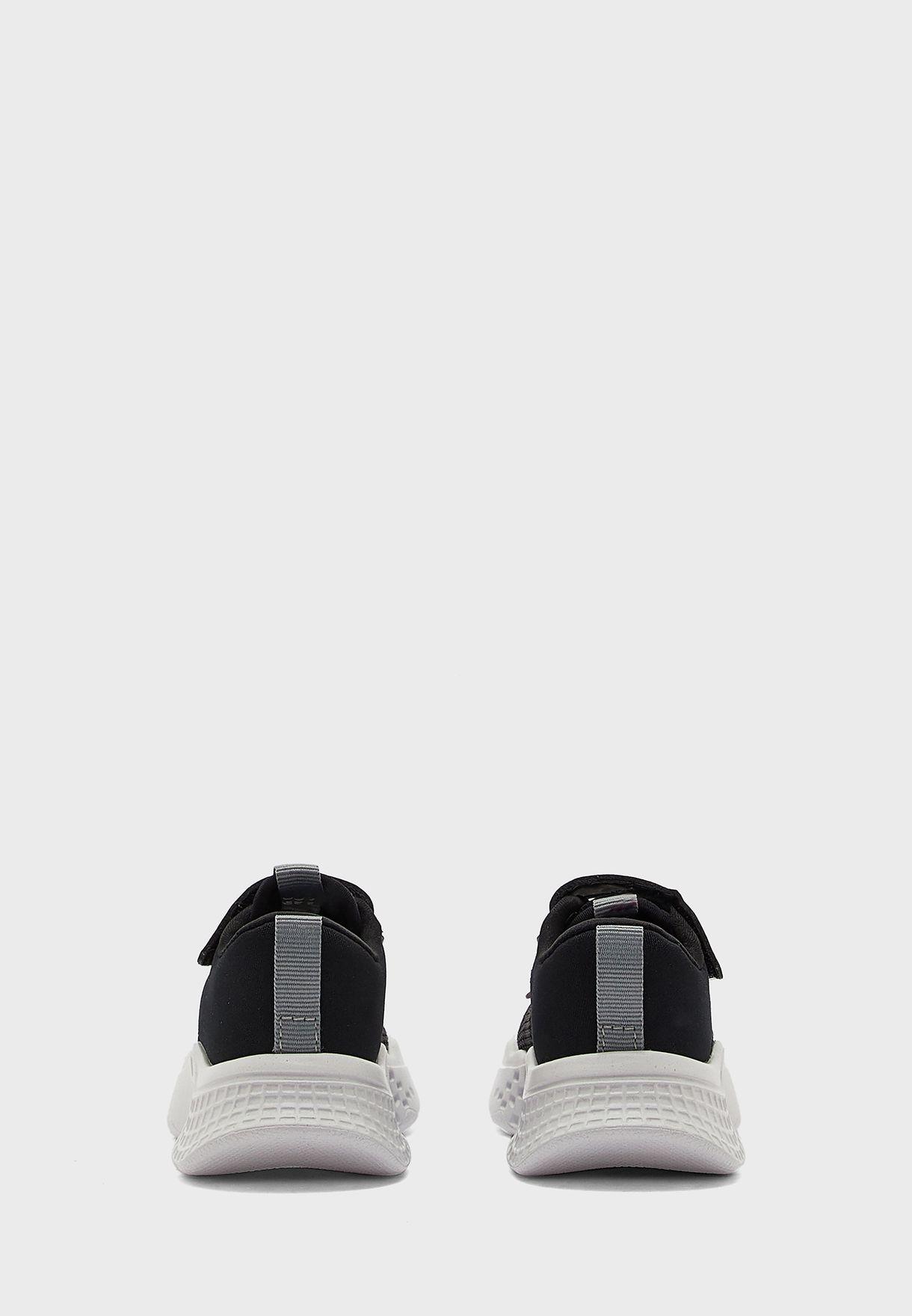 حذاء سنيكرزبشريط فيلكرو