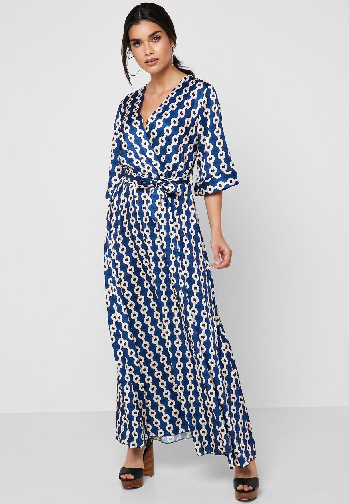 فستان ماكسي مطبع وبنمط لف