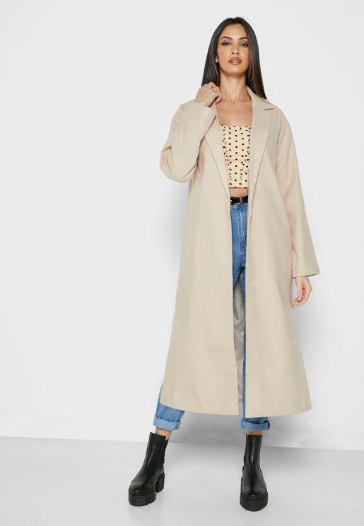 معطف بياقة كلاسيكية