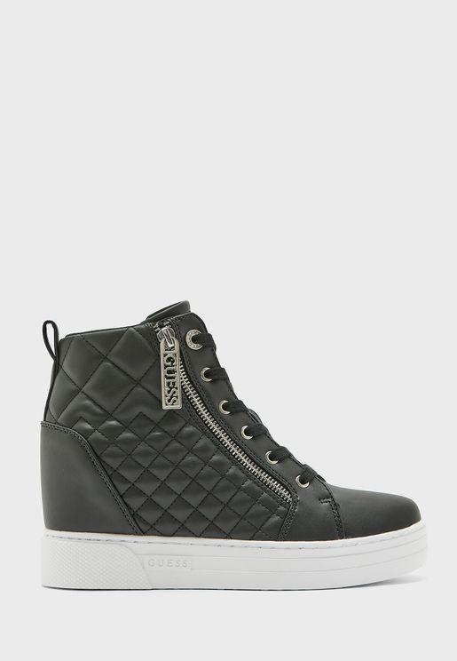حذاء سنيكرز مدروز