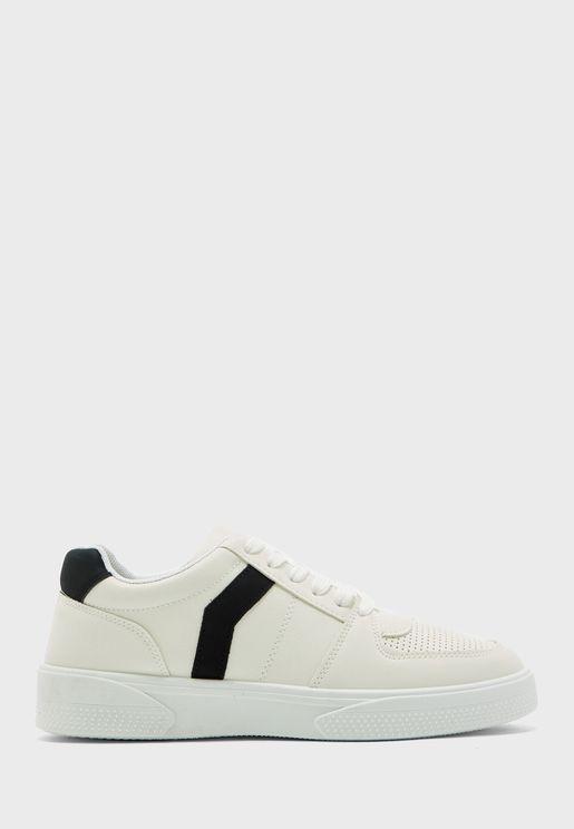 Charlton Low Top Sneaker