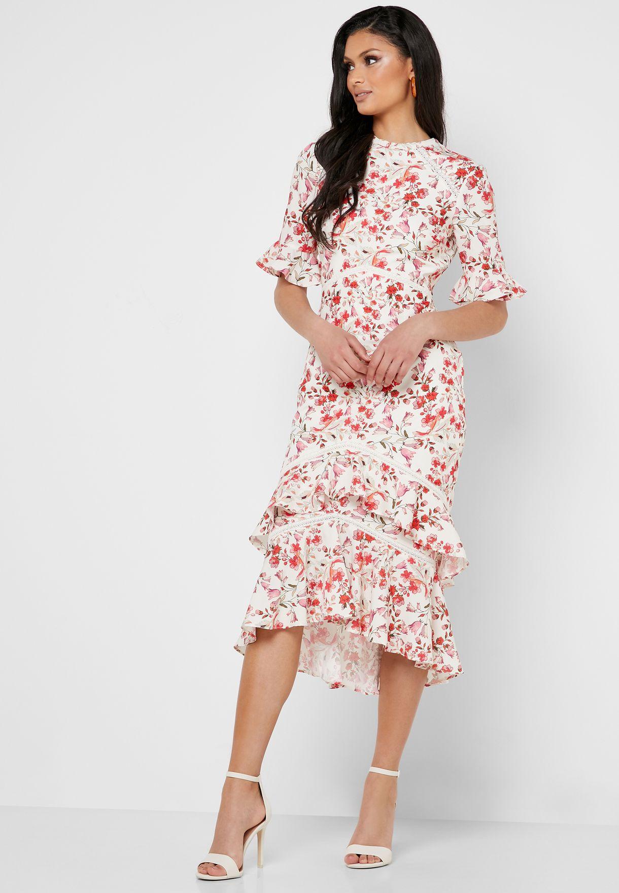 فستان بظهر عاري