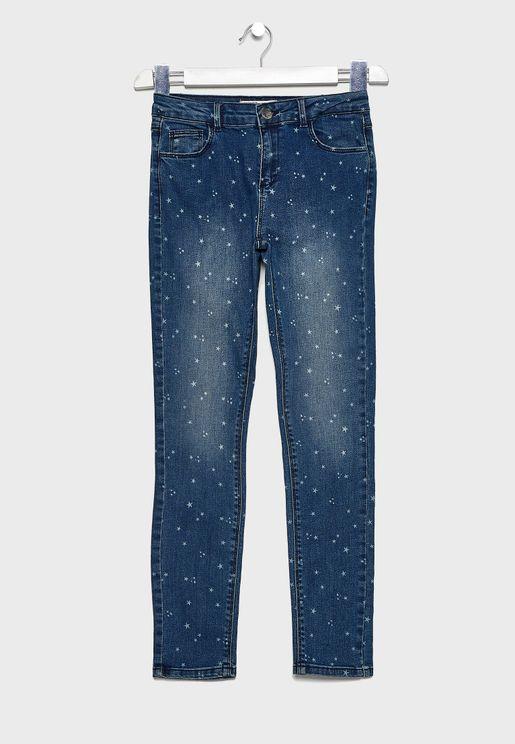 جينز بطبعات نجوم