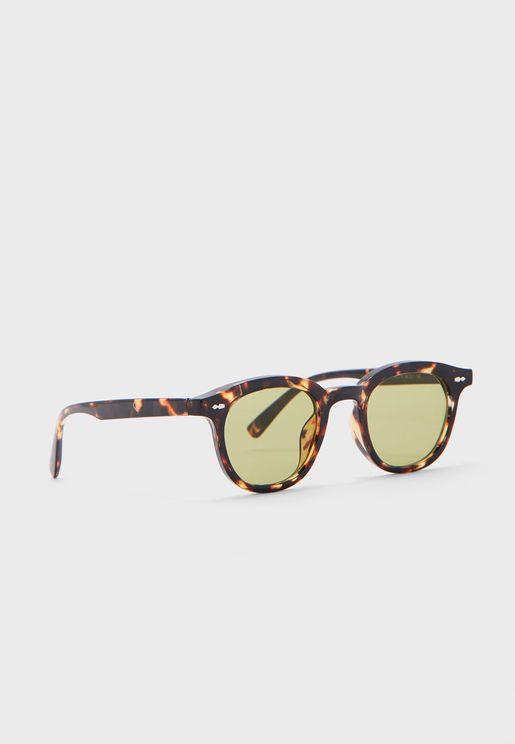 نظارة شمسية بطبعات صدفة سلحفاة