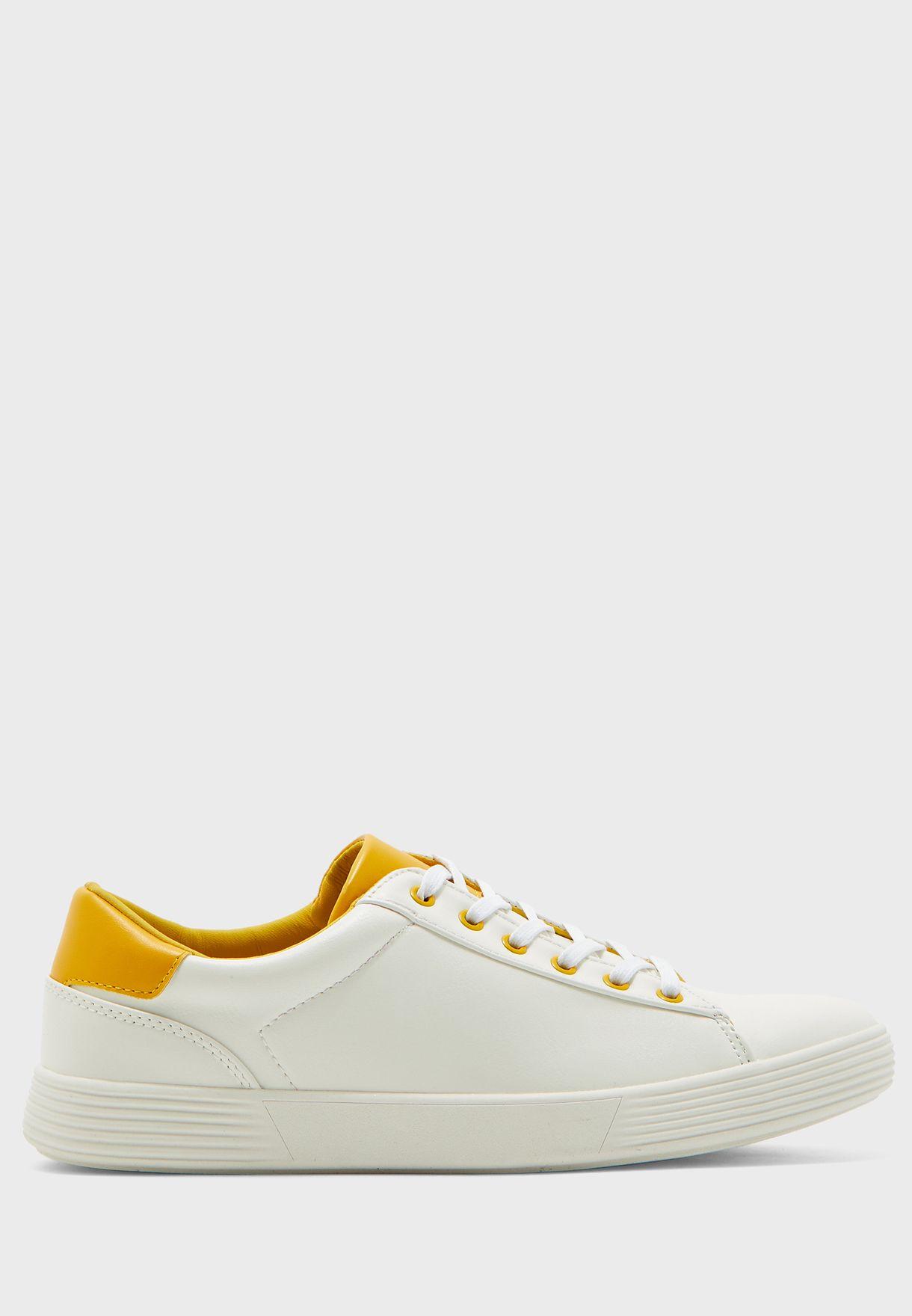 Summer Basic Sneakers